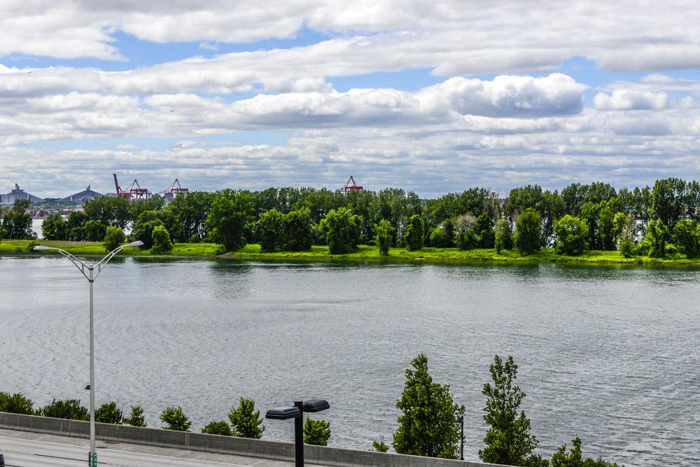 Condo à louer avec vue sur le fleuve